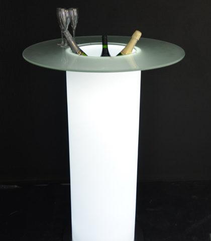 Deltaloc-mobilier-luminex-mange-debout